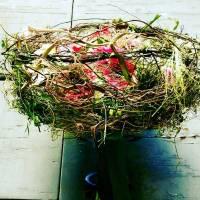bouquet decorativo su struttura naturale