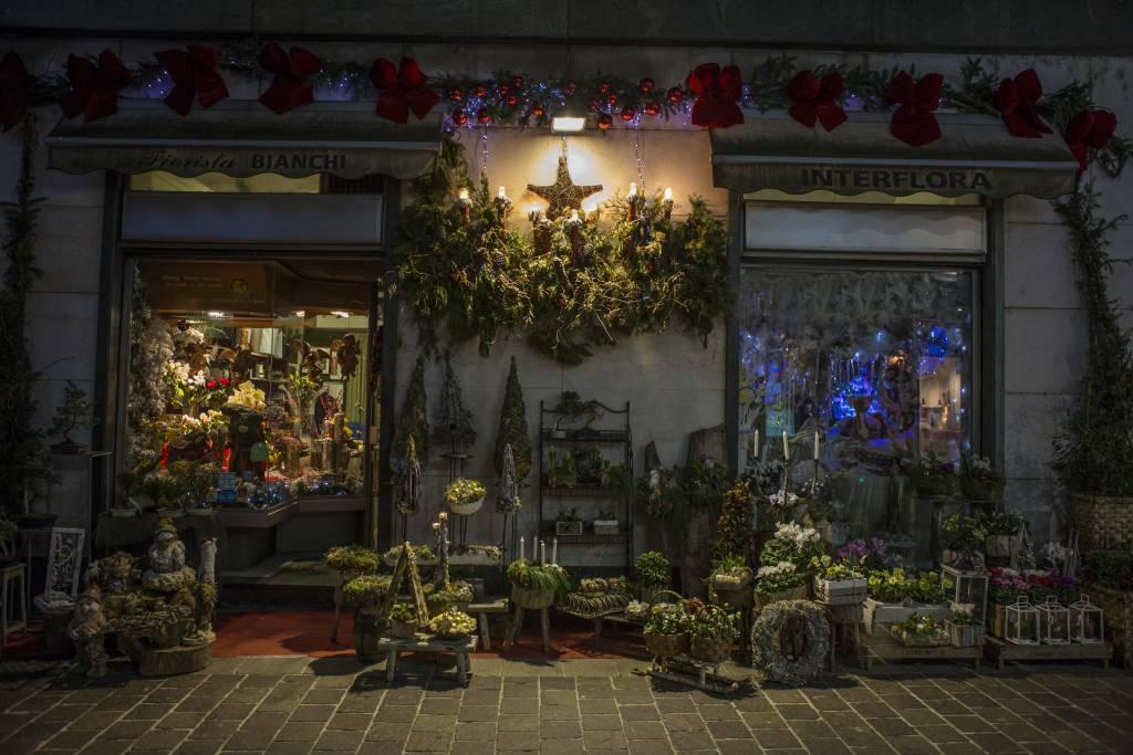 vetrina negozio feste di natale